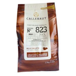 Imagen del paquete de 2 kilos y medio de cobertura de Chocolate con Leche Callebaut 823